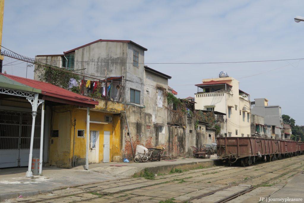 - Ankunft am Bahnhof Hai Phong (Cat Ba) -