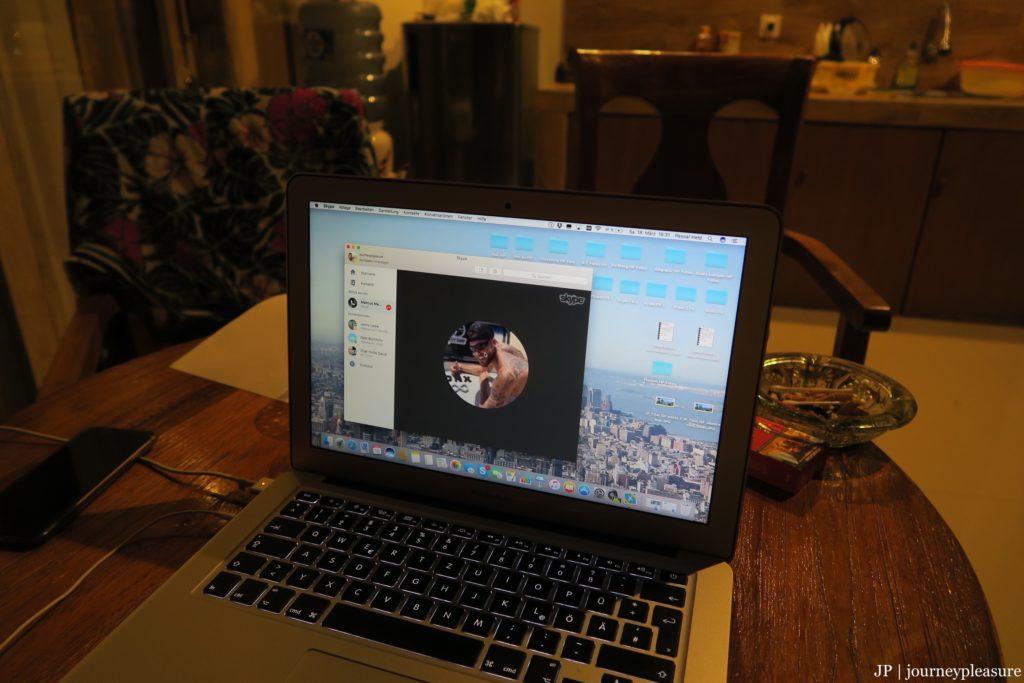 Skype-Call LIFE HACKZ SHOW